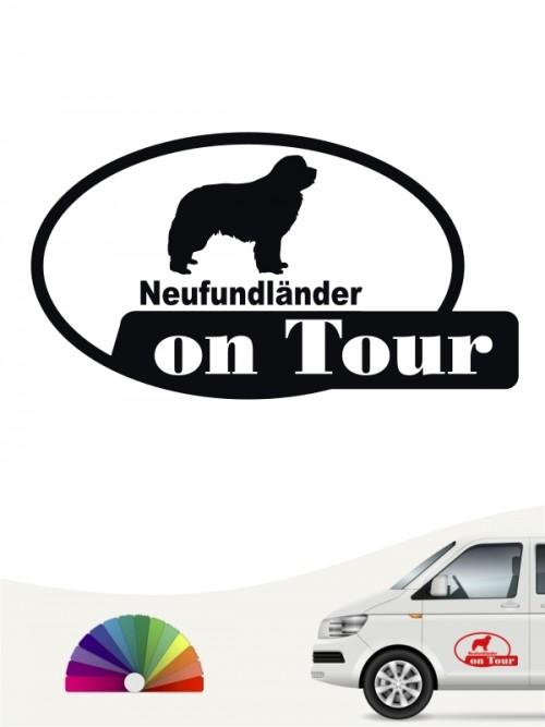 Neufundländer on Tour Autoaufkleber von anfalas.de